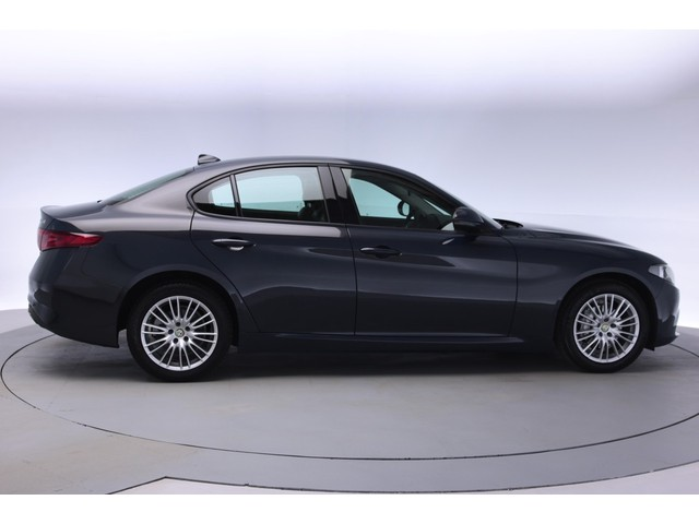 Alfa Romeo Giulia 2.2 Eco Business 180pk Aut. [ Leder Nav ]