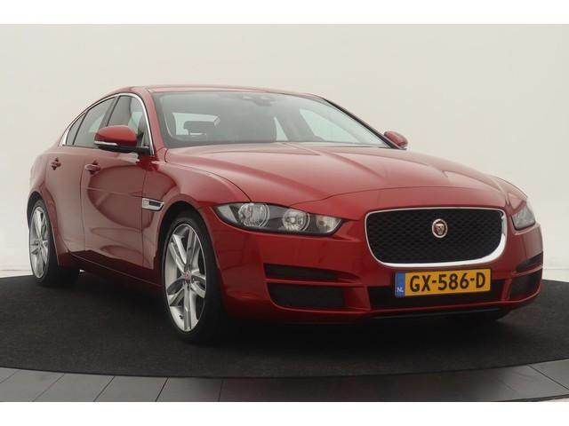 Jaguar XE 2.0D Pure | 55.000km NAP | Dealer onderhouden | Camera | Navigatie | Blind Spot Monitor | Park Assist