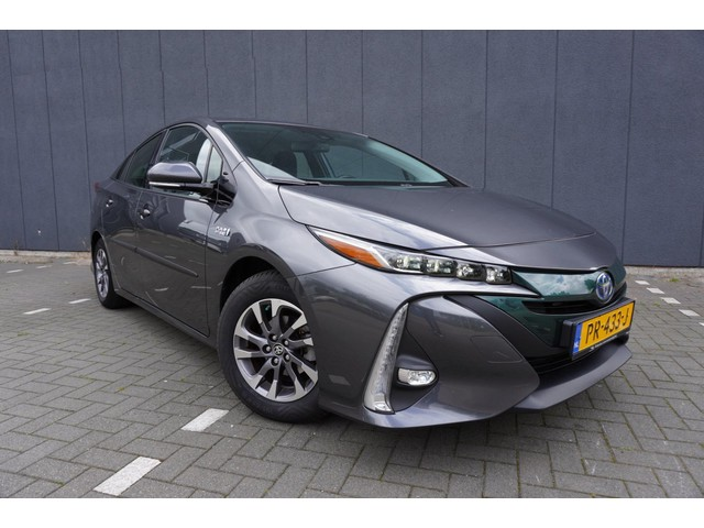Toyota Prius 1.8 Plug-in Business Plus_Navi_Clima_Camera_Headup display