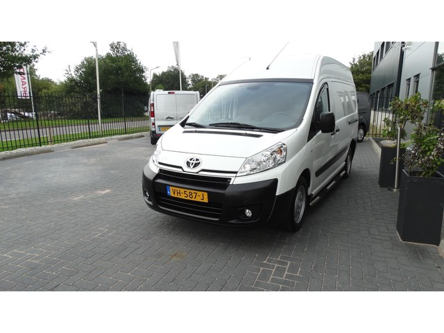 Toyota ProAce 2.0D L2H2 luxe airco navi camera marge (btw vrij) leas