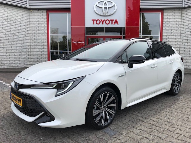 Toyota Corolla Touring Sports 1.8 HYBRID BI-TONE ELEKTR ACHTERKLEP STOEL STUURVERWARMING