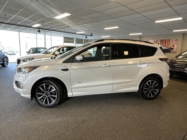 Ford Kuga ST Line Aut - BOMVOL - Panoramadak   BLIS   Adaptive cruise   Lane Assist   Dab+   Sony   Camera - Elek Trekhaak -