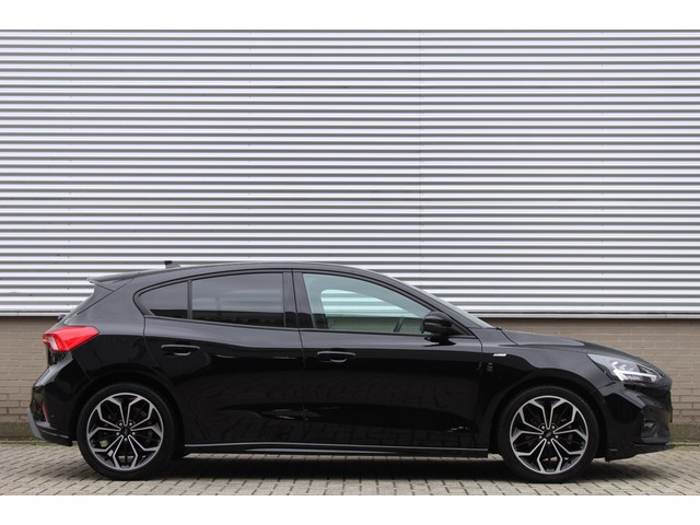 Ford Focus 1.0 EcoBoost 125PK ST Line Business | Winter Pack | 18