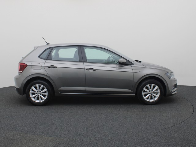 Volkswagen Polo 1.0TSI 95PK Highline DSG · Navigatie · Parkeersensoren · Stoelverwarming