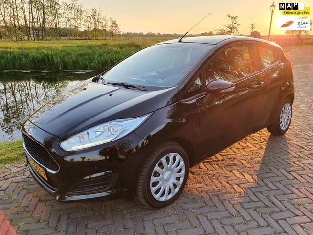 Ford Fiesta 1.0 Style Essential -2017 -NAVI- AIRCO-NL AUTO !