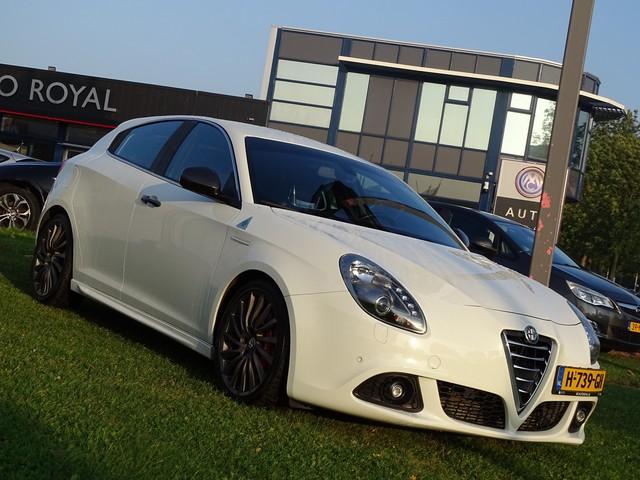 Alfa Romeo Giulietta 1.7 TBi Quadrifoglio Verde -  Automaat, F1-Flippers, Sport Interieur, Navigatie, Airco ECC, CruiseControl, Parkeersensoren