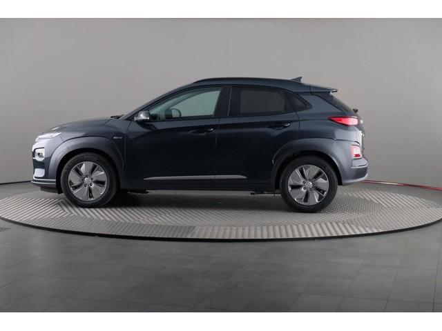 Hyundai Kona Electric Premium 64 kWh 3-fase [ Warmtepomp Leer Navigatie ECC Krell Sound 17