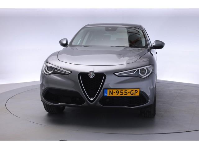 Alfa Romeo Stelvio 2.0 T AWD Super Aut. [ Half-Leder Xenon ]