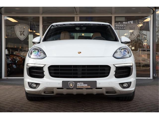 Porsche Cayenne 4.2 D S GTS Panoramadak Keyless Camera Memory Leer Trekhaak Hemelvaartsdag open!