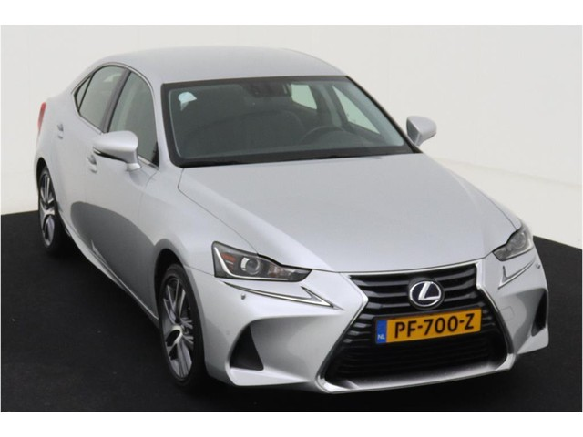 Lexus IS 300h Hybrid Business Line 181 PK  Geen import  Navi  ECC  Camera  Apple Carplay