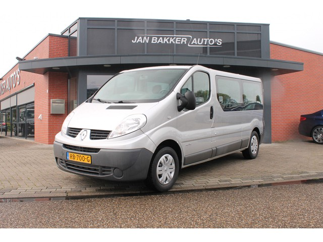 Renault Trafic Passenger 2.0 dCi T29 L2H1 Expression Eco 8 persoons   Trekhaak   Navi   Airco
